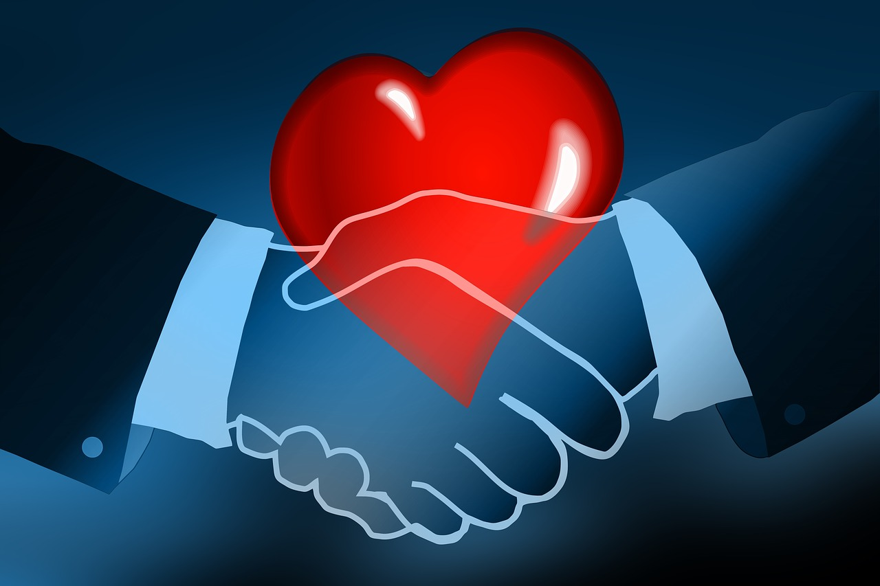 לב ולחיצת ידיים