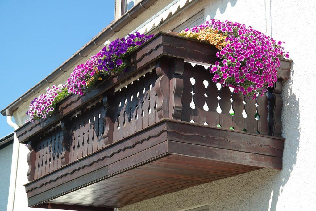 מרפסת ביתית